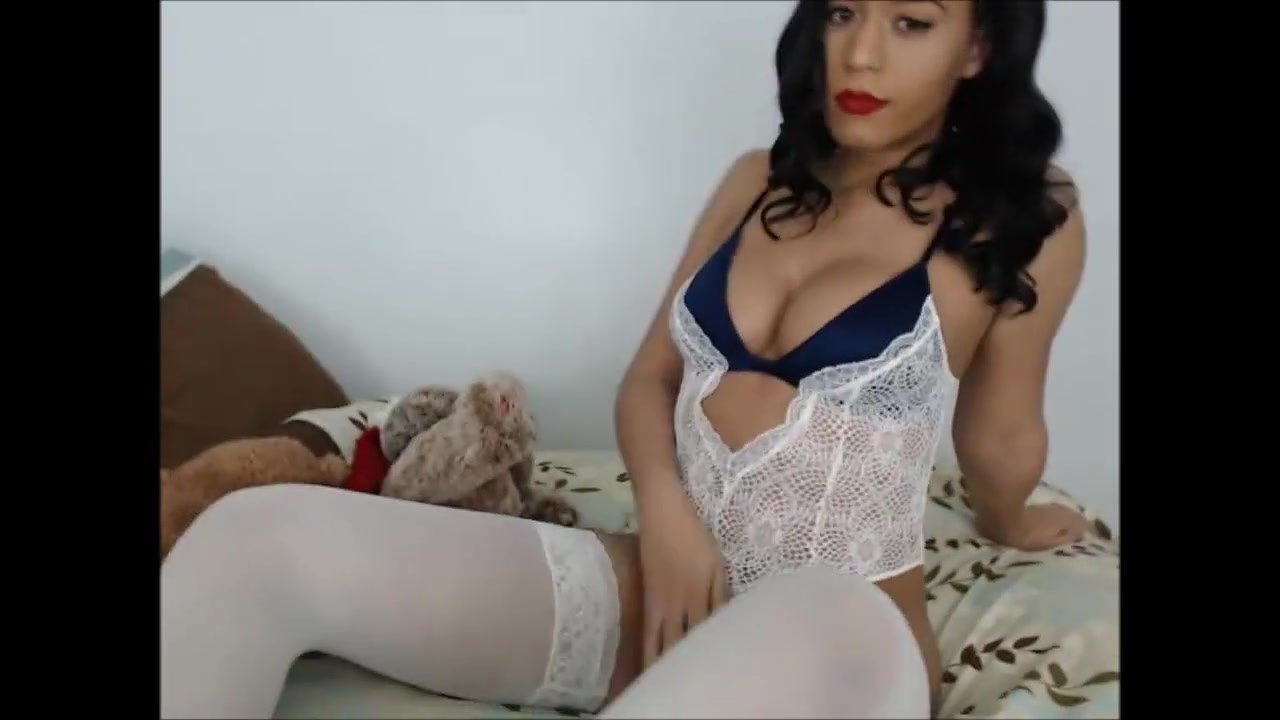 Monae streaming live on chaturbate